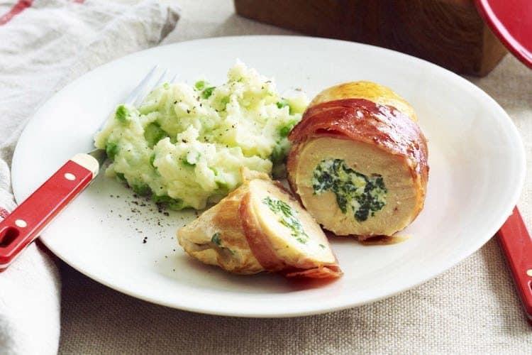 Heerlijke kipfilets gevuld met spinazie, kaas en bacon.