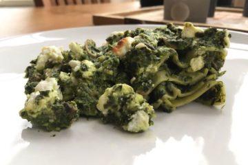 Heerlijk portie koolhydraatarme spinazie lasagne gemaakt met Ciao Carb lasagne bladen.
