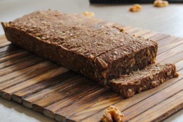 Koolhydraatarm brood met zaden en pitten gemaakt met de Noets Broodmix.