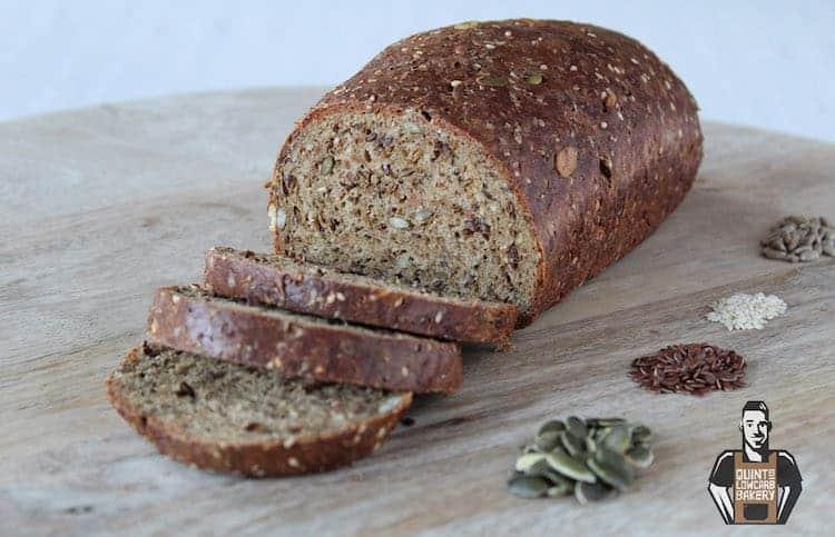 Quint's koolhydraatarm brood donker pompoen