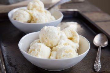 Koolhydraatarm en suikervrij vanille schepijs.