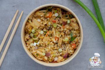 Bloemkool nasi met kip en nasi groente.