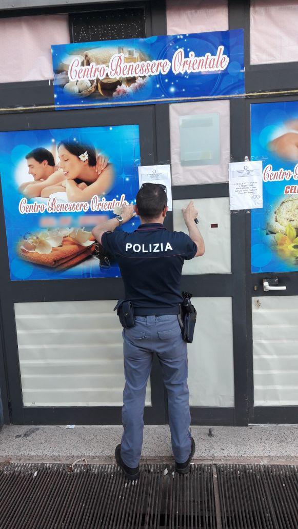 La polizia scova una casa di prostituzione in un centro - Centro benessere a casa ...