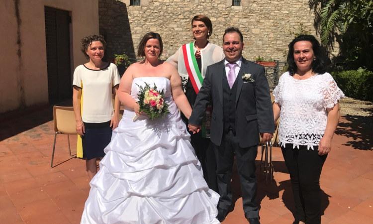 Auguri Matrimonio Civile : Amministrazione giunta primo matrimonio civile