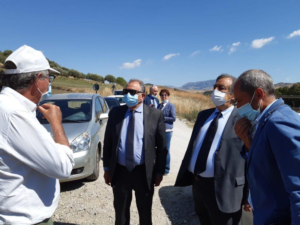 Consegnati lavori strada ex consortile che collega Resuttano con Petralia, investimenti per oltre 560 mila euro Exconsortile22consegnaa-1024x768