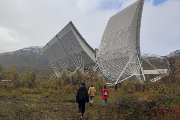 The AIR group visiting the HF radar at EISCAT © Ewen Chardronnet
