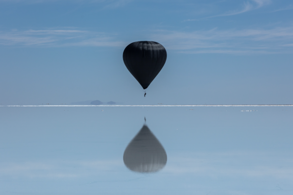 Aerocene Pacha: a solar balloon that soars above saltlands in Argentina