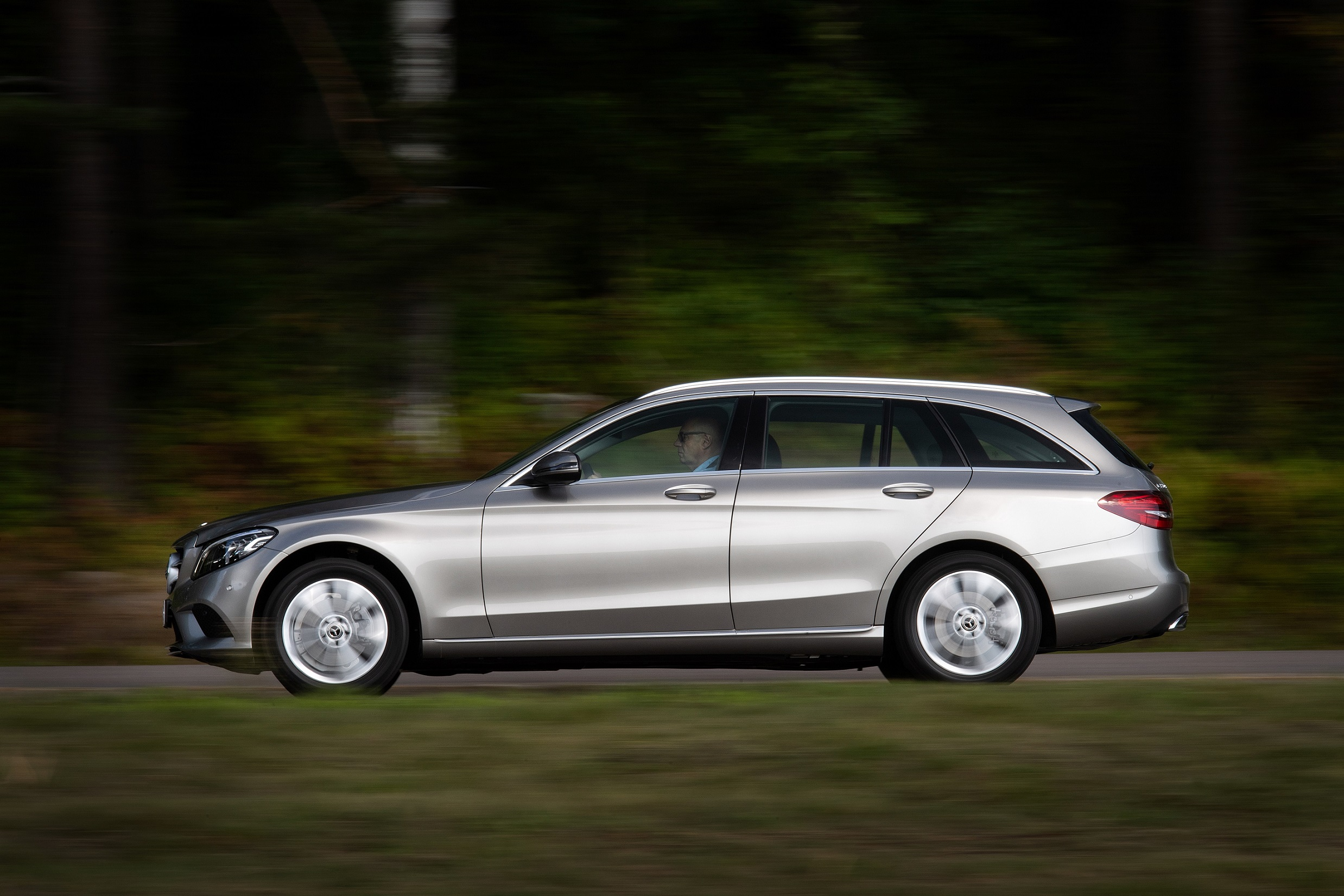 Yleisöllä mahdollisuus koeajaa 14 erilaista Mercedes-Benziä Auto 2018 -tapahtumassa