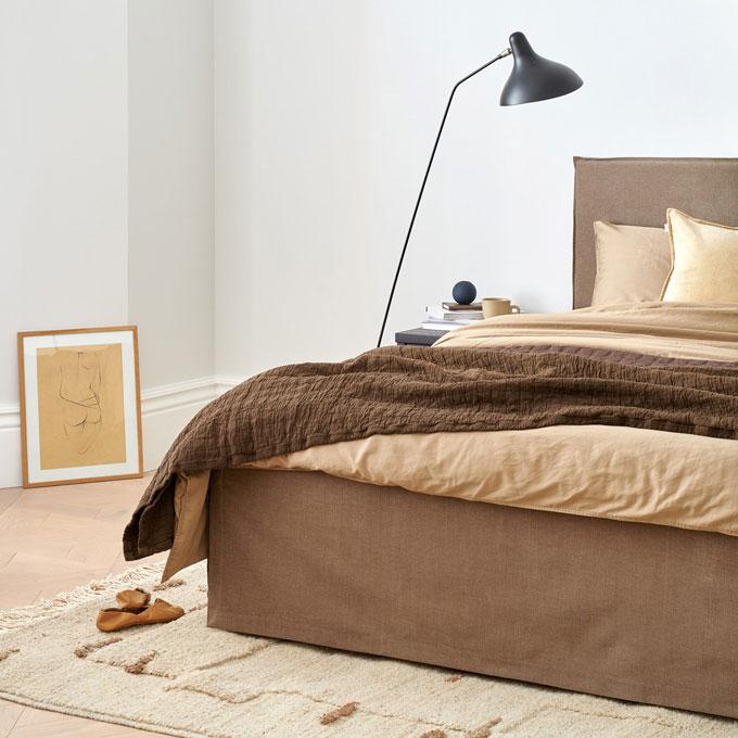 Makuuhuoneen sisustus kaipaa harmoniaa ja rauhallista tunnelmaa
