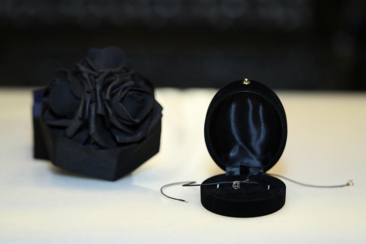 луксозен подарък, metanoa de la rose, бранд на Александра Микова,