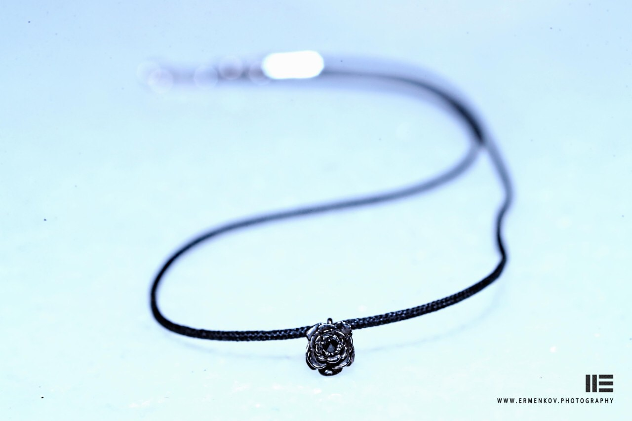 Диамант и черна роза - metanoa de la rose, бранд на Александра Микова