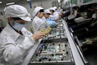 Bloomberg: Kina-krisen kan få iPhone-produktionen til at flytte ud af landet