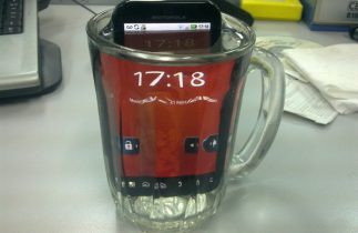 Motorola Defy+ test: Hårdfør Android er ikke hårdfør nok (test og pris)