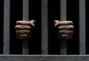 Tusindvis af ulovlige mobiltelefoner i de danske fængsler