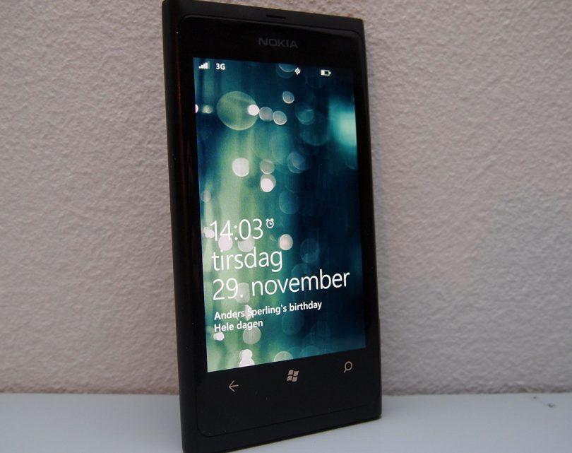 Nokia Lumia 800 test – sådan sætter man iPhone 4S og Android på plads