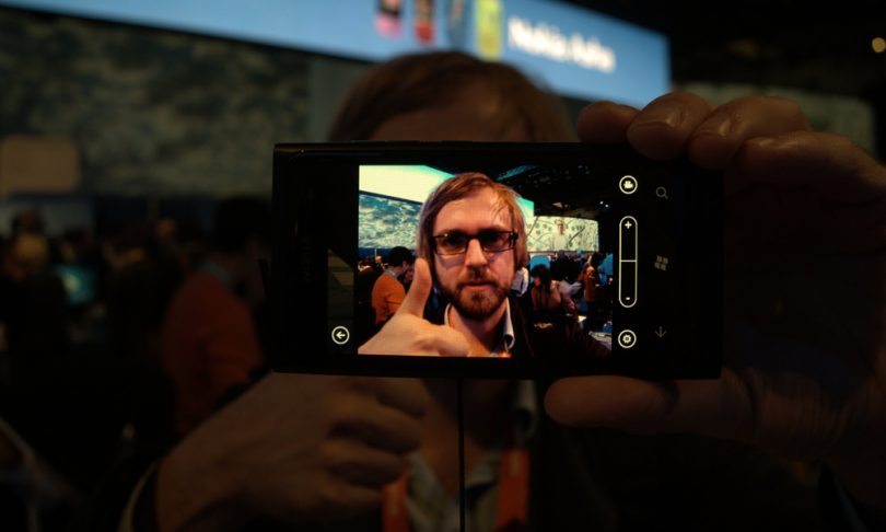 Første indtryk af Nokia Lumia 800 (opdateret med egne billeder)