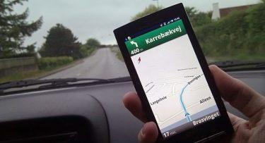 """Google Maps bruger landemærker til at give mere """"menneskelige"""" køreinstruktioner"""