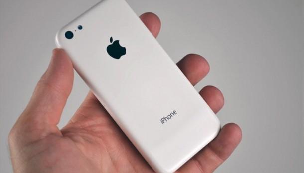 De første realistiske billeder af iPhone 5C