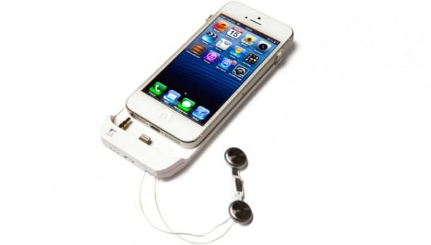 Innpu smart battery case with built-in retractable earphones