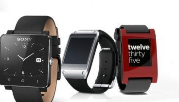 Spec-fight: Galaxy Gear vs Pebble vs Smartwatch
