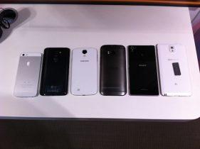 Billede: Den nye HTC One sammen med iPhone 5s og Galaxy S4