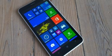 Nokia Lumia 1320 test og pris: Billig gigant