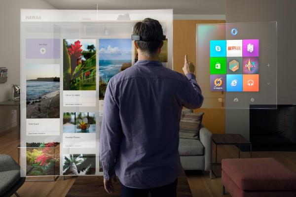 Næste generation af Microsofts HoloLens kommer først i 2019