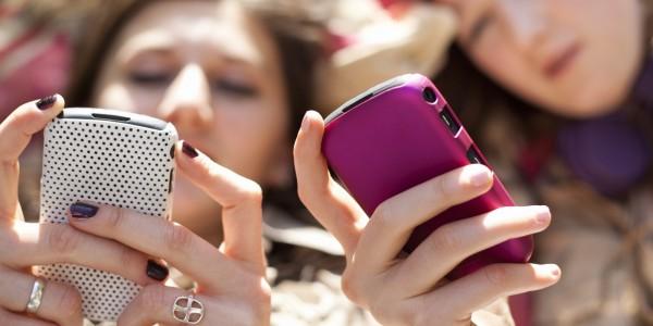 Ekspert: At give børn en mobil svarer til at give dem et gram kokain