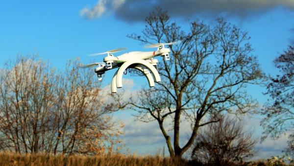 Venstre: Der sættes millioner af til forskning i droner