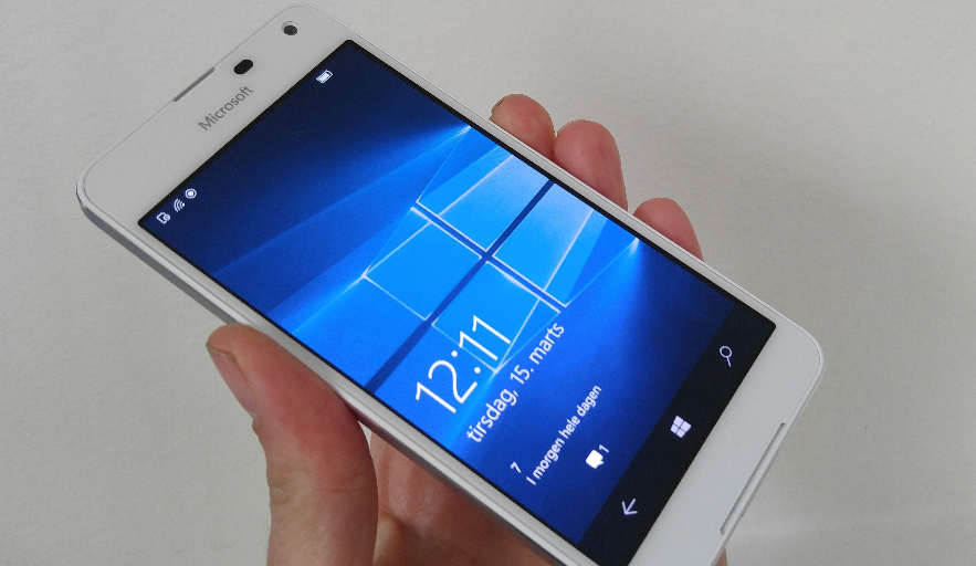 TEST af Microsoft Lumia 650: Pæn, lidt langsom