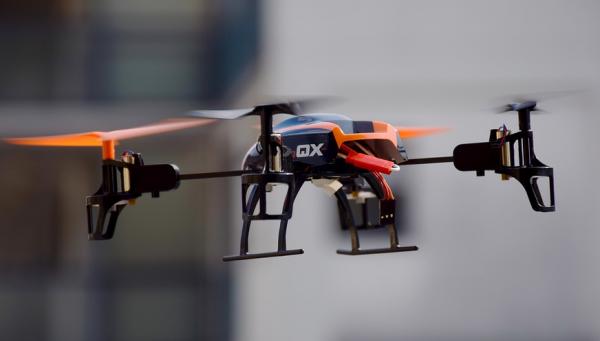 små billige droner
