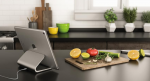 Logi BASE: Stander og oplader i ét til iPad Pro