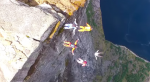 Norske Base Jumpers tager ekstremfotografering med droner til et helt nyt niveau