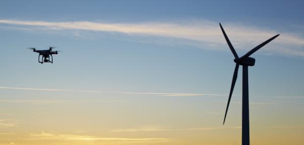 Droner giver massive besparelser ved serviceomkostningerne til vindmøller