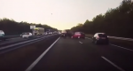Tesla-bil forudser biluheld længere fremme