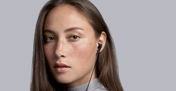 beoplay e4 headset pris