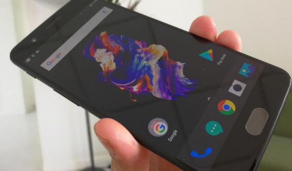 Derfor kan du opleve problemer med at scrolle på skærmen på OnePlus 5