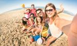 Danskerne glæder sig over andres feriebilleder på sociale medier
