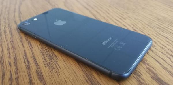 test og anmeldelse iphone 8