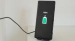 Brevkasse: Er klatopladning med trådløs oplader skadeligt for batteriet?