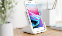 logitech powerred wireless charger stand iphone2