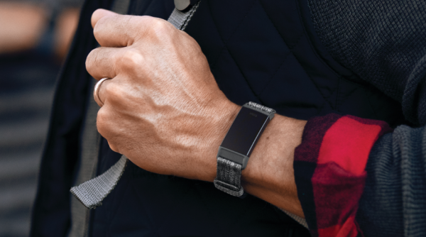 fitbit charge 3 specs pris