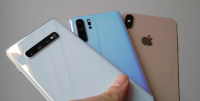 zoom fight iphone xs max huawei p30 pro samsung galaxy s10 plus