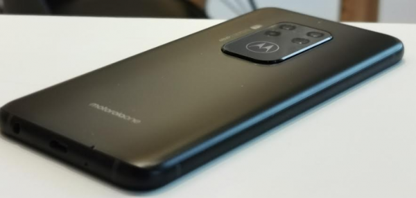 motorola one zoom test pris 3