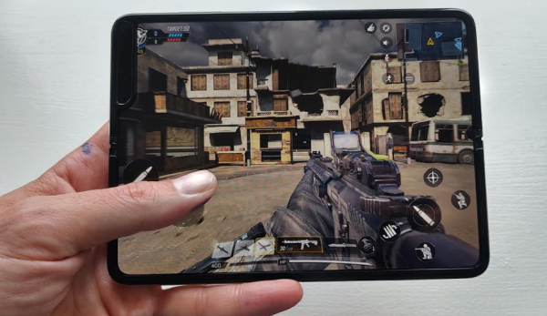 samsung galaxy fold test gaming