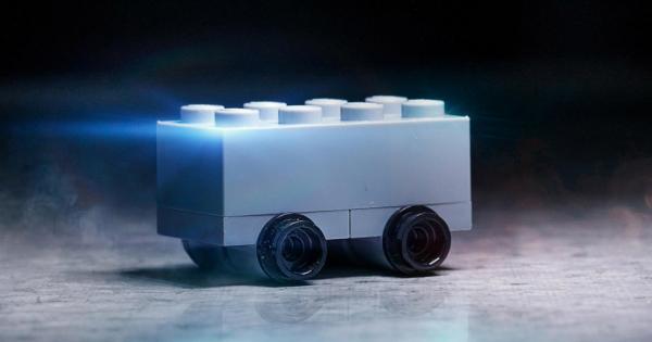 LEGO driller Tesla med brudsikker Cybertruck-køretøj