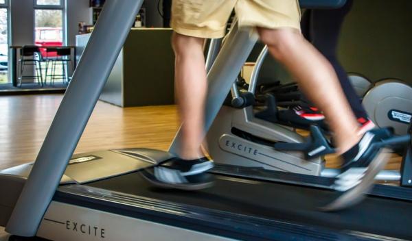 fitness tracker skridttaeller loebebaand