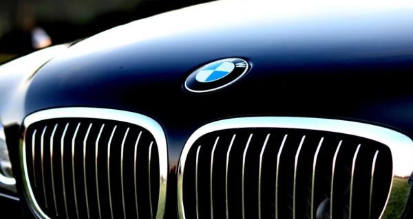BMW kan blive først med Apples CarKey-funktion
