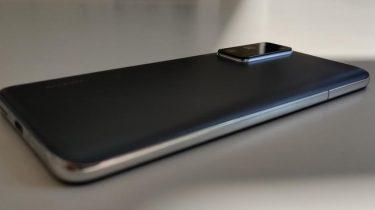 Huawei: Helt trådløse telefoner først klar om nogle år