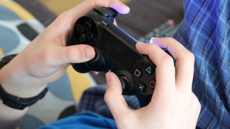 Kina vil forbyde onlinetjenester, der kan gøre børn afhængige